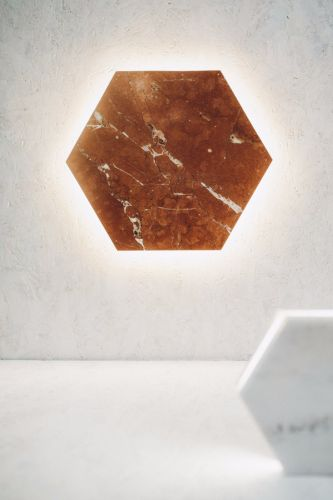 Vertical Hex Marmur Rojo Alicante / Besign Lighting